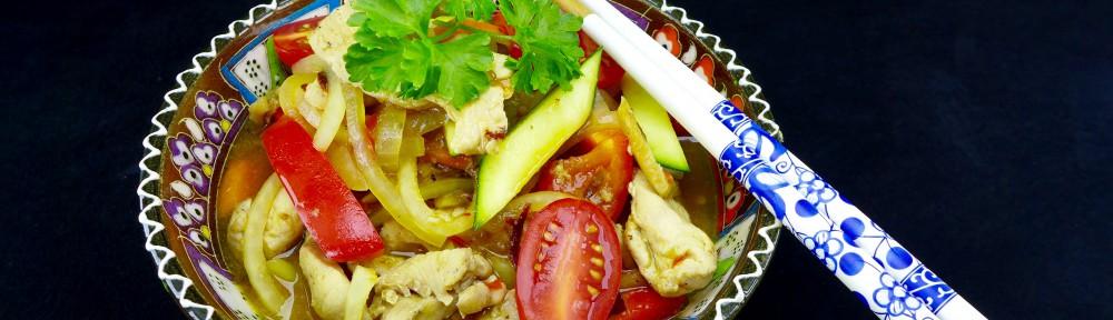 Bio Putenfilet an Möhren und Zucchini