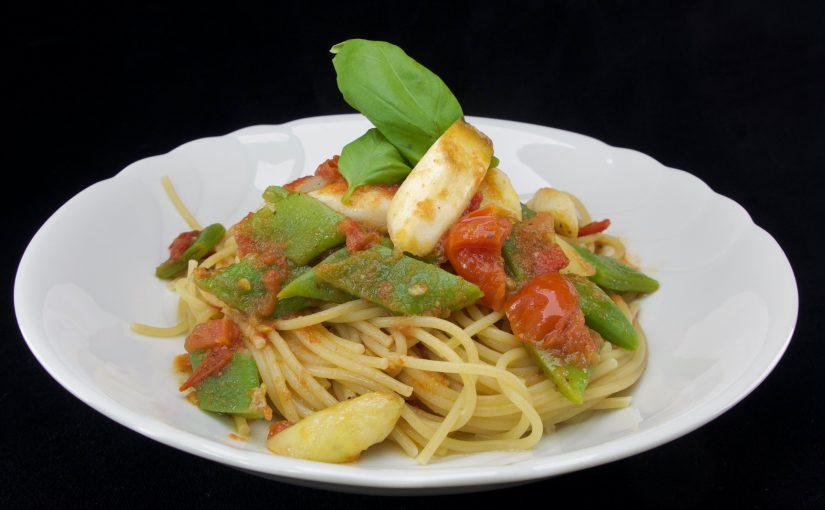 Spaghetti Tomate Spargel und Bohnen